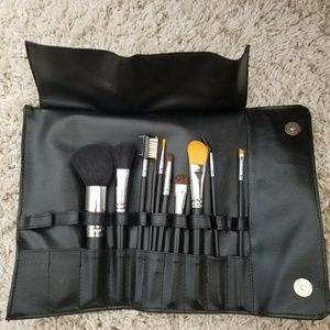 Other - Makeup Brush Set